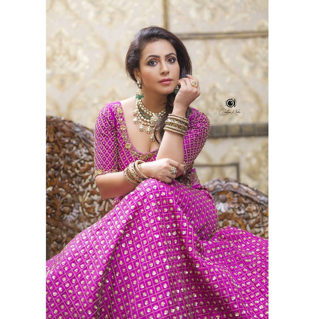 Actress Nandini Rai Latest Photos (6)