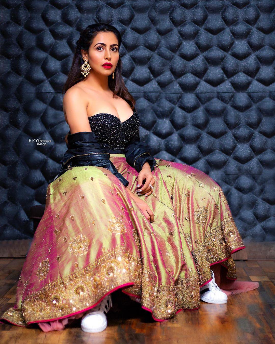 Actress Nandini Rai Latest Photos (65)
