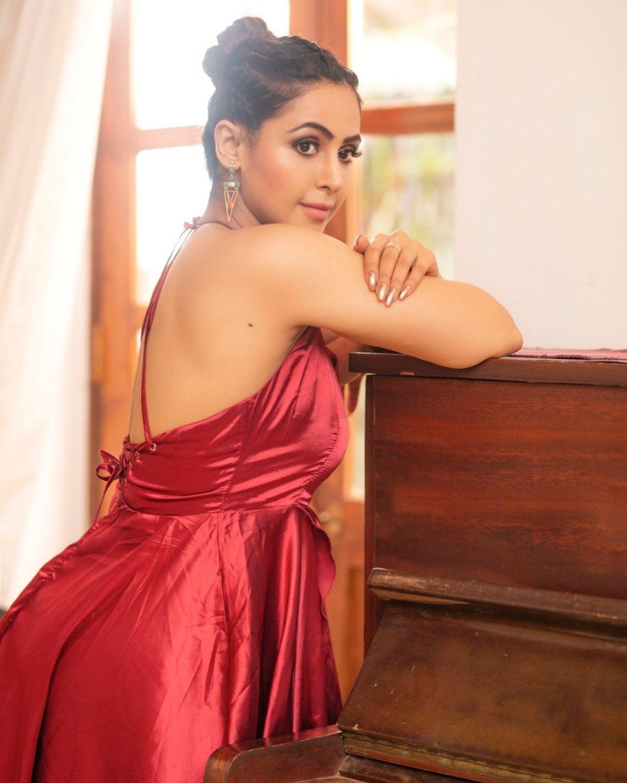 Actress Nandini Rai Latest Photos (72)