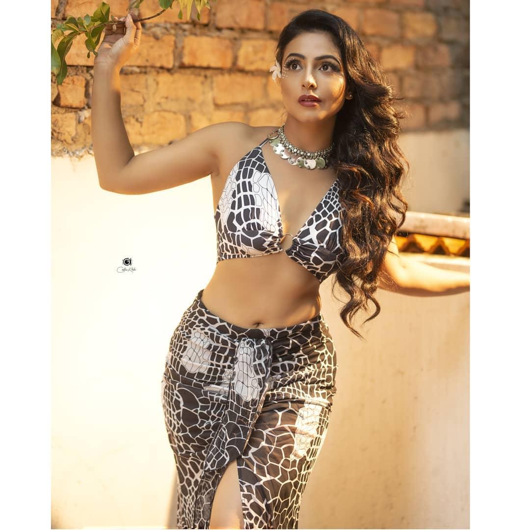 Actress Nandini Rai Latest Photos (77)