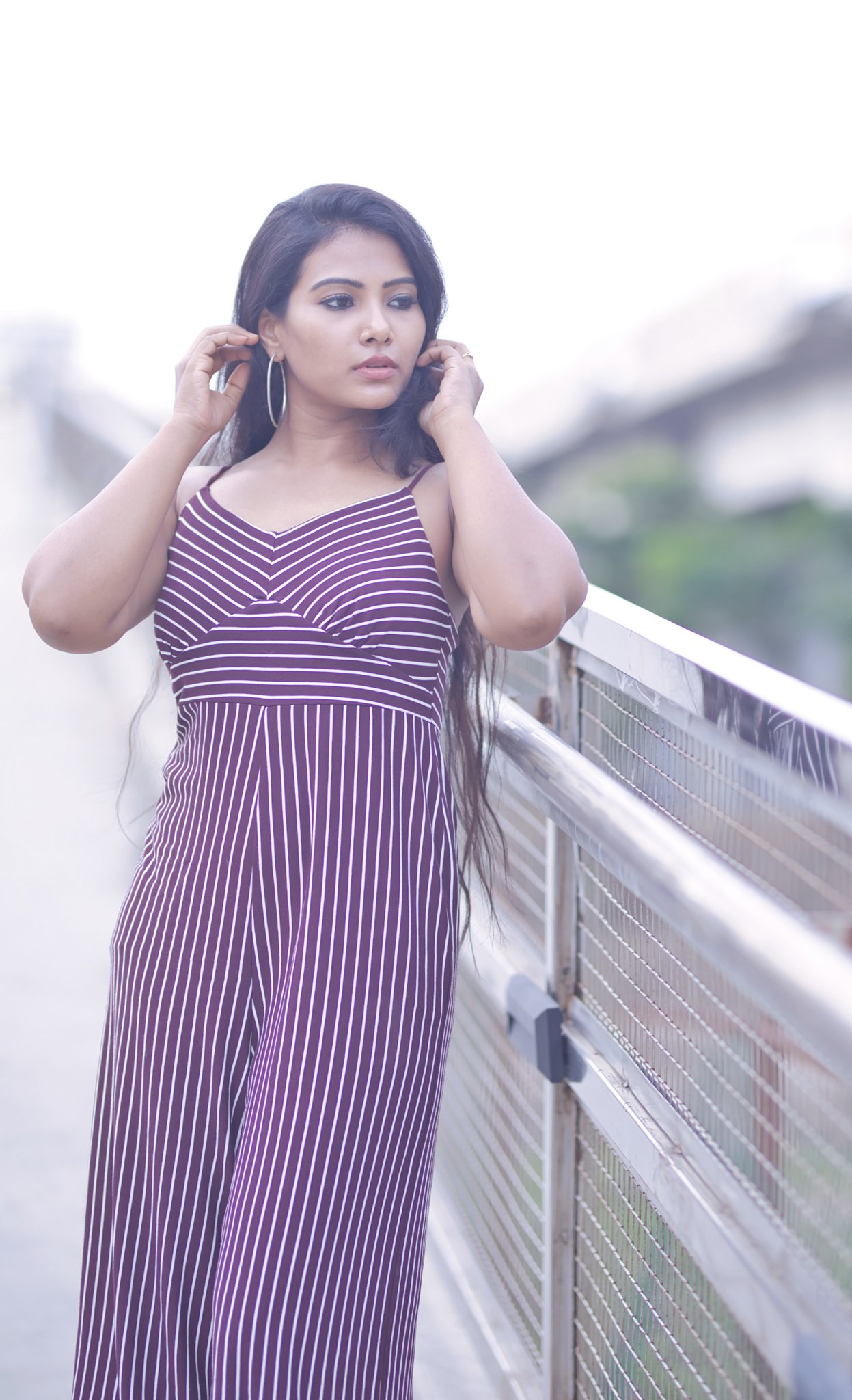 Actress Dhivya Dhuraisamy is very beautiful in blue dress