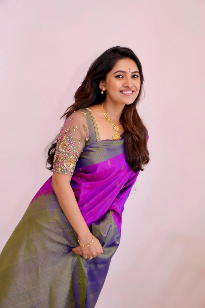 Beautiful Actress Vani Bhojan Latest Photos