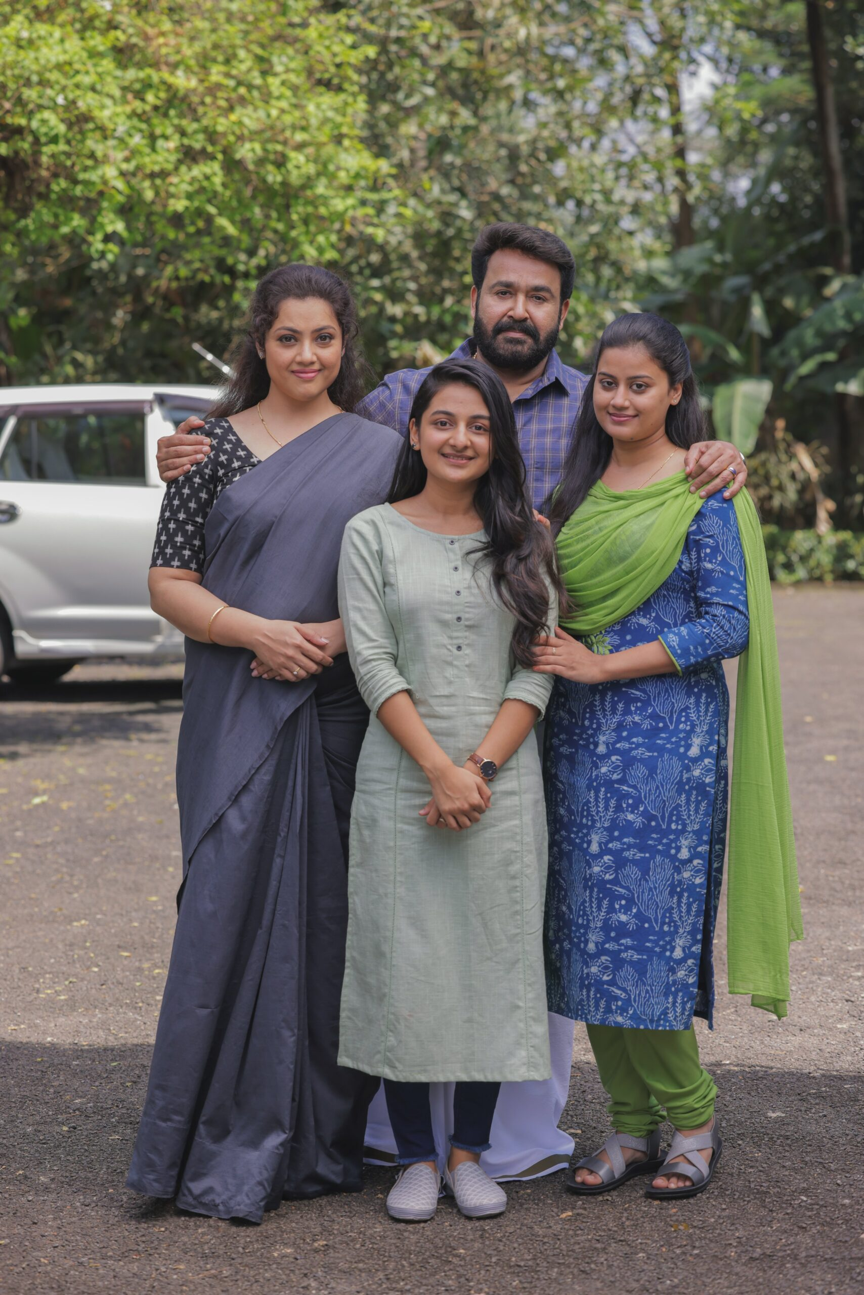Mohanlal family crew from drishyam 2