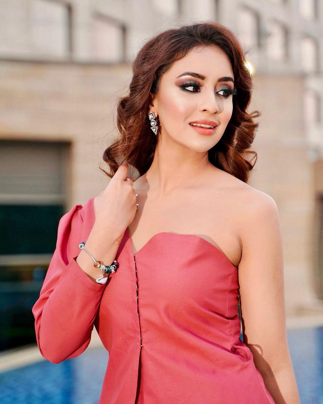 [44+] Musskan Sethi Photos (32)