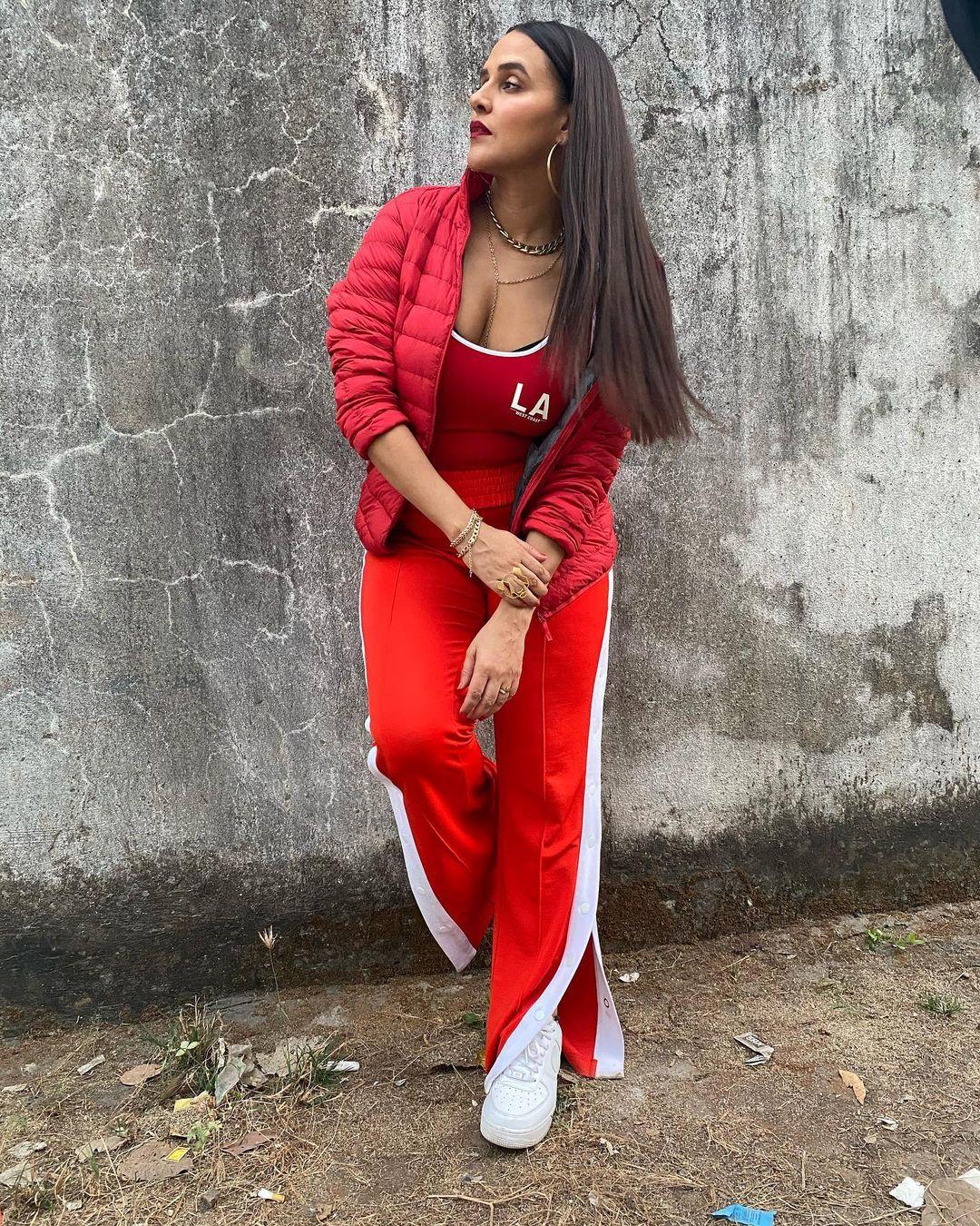 Actress Neha Dhupia Instagram Images (16)
