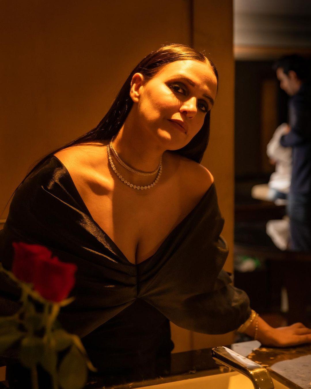 Actress Neha Dhupia Instagram Images (24)