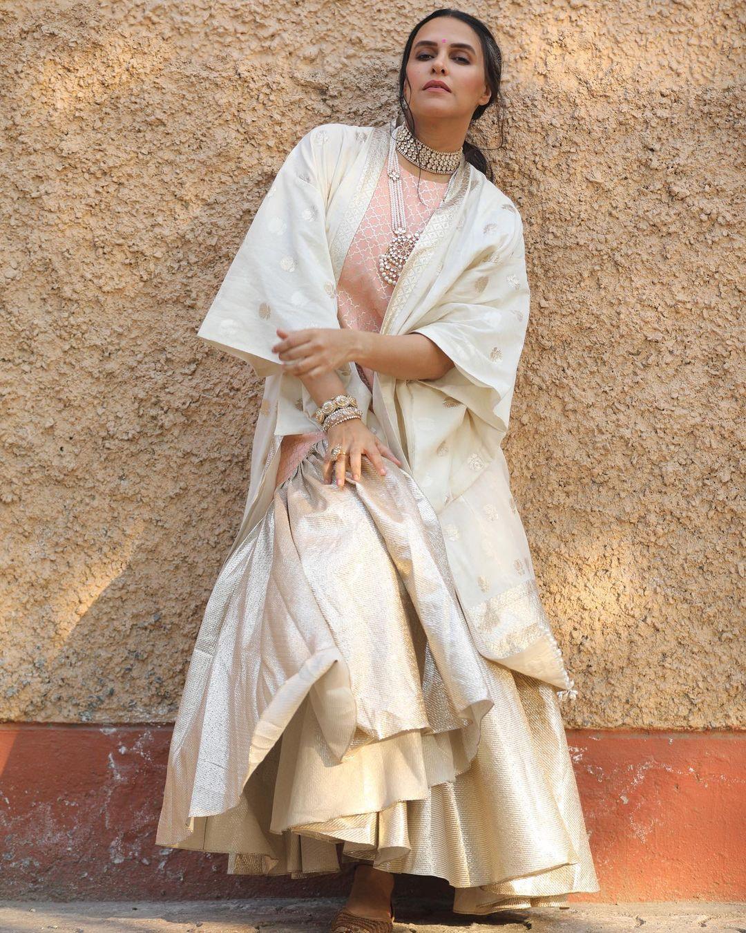 Actress Neha Dhupia Instagram Images (29)