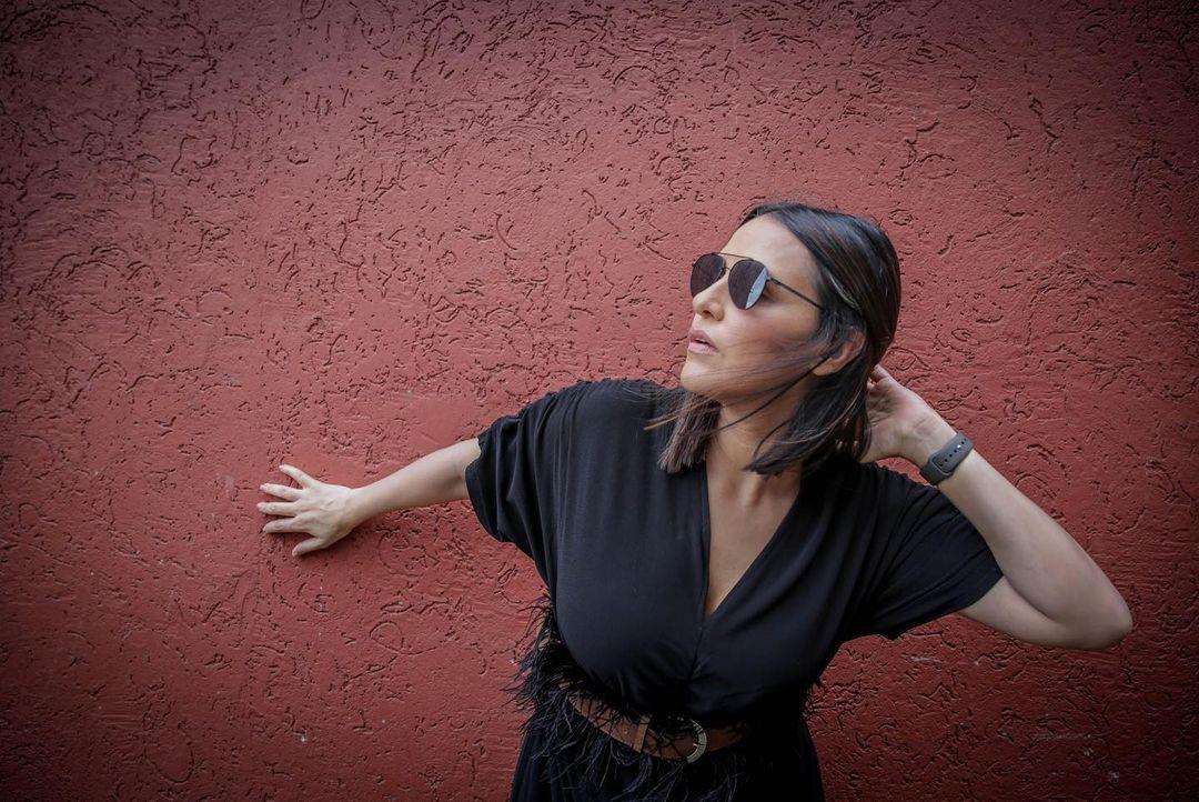 Actress Neha Dhupia Instagram Images (50)