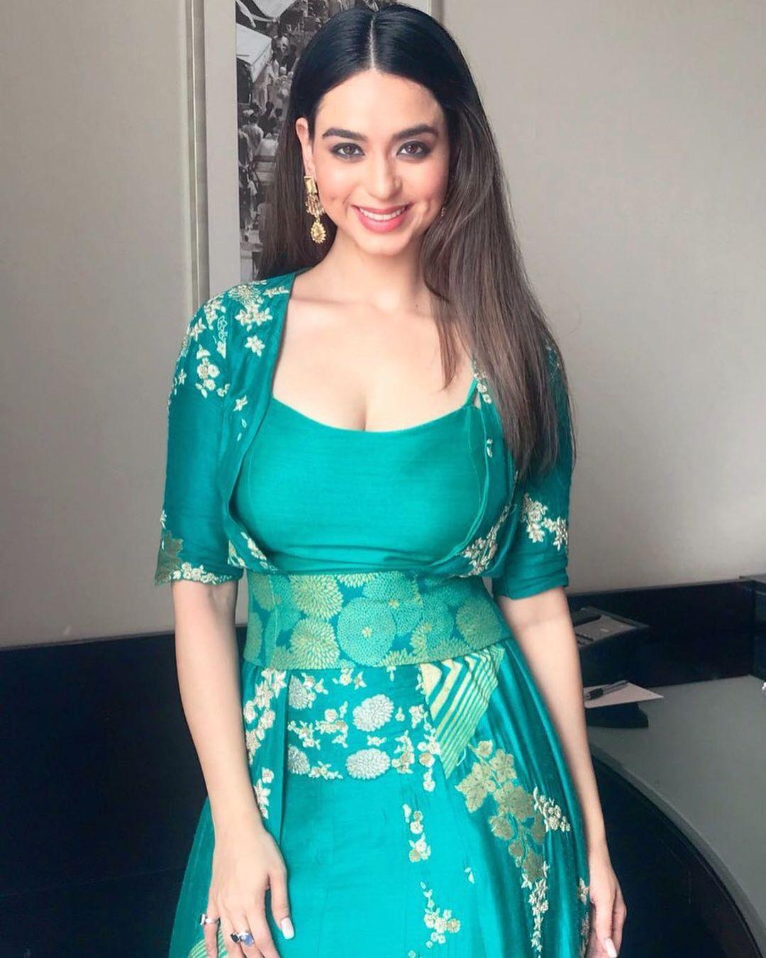 Beauty Queen Soundarya Sharma Photos (13)