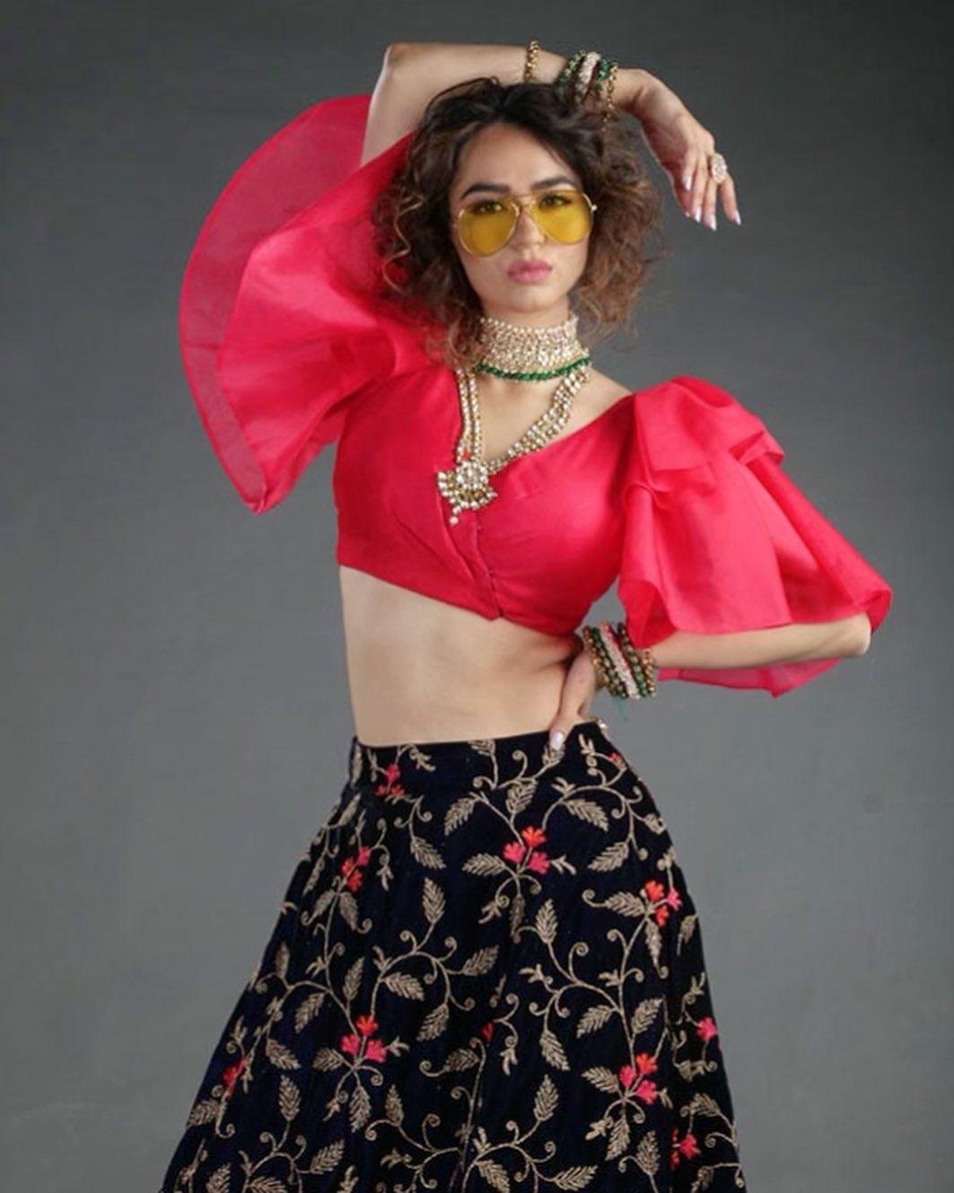 Beauty Queen Soundarya Sharma Photos (28)