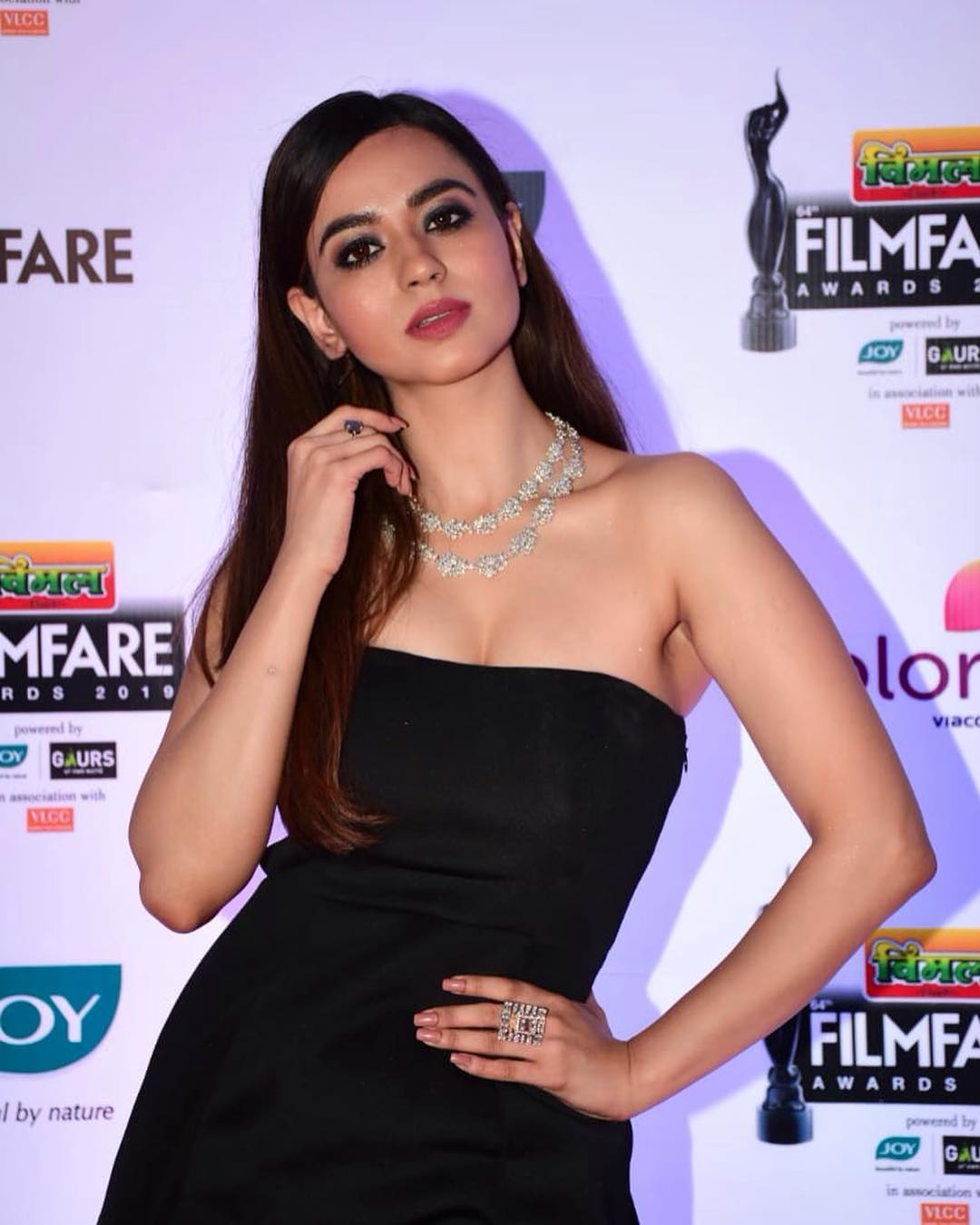 Beauty Queen Soundarya Sharma Photos (6)