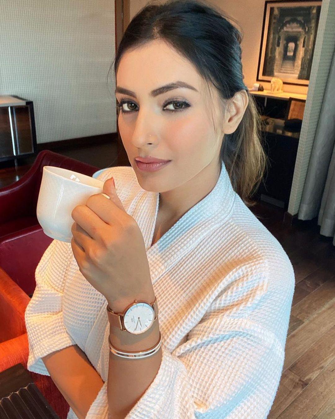 Indian TV actorsess Shivangi Verma Latest Pics (12)