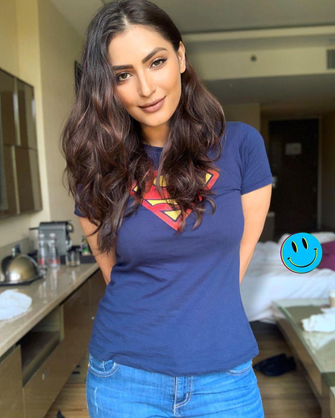 Indian TV actorsess Shivangi Verma Latest Pics (18)