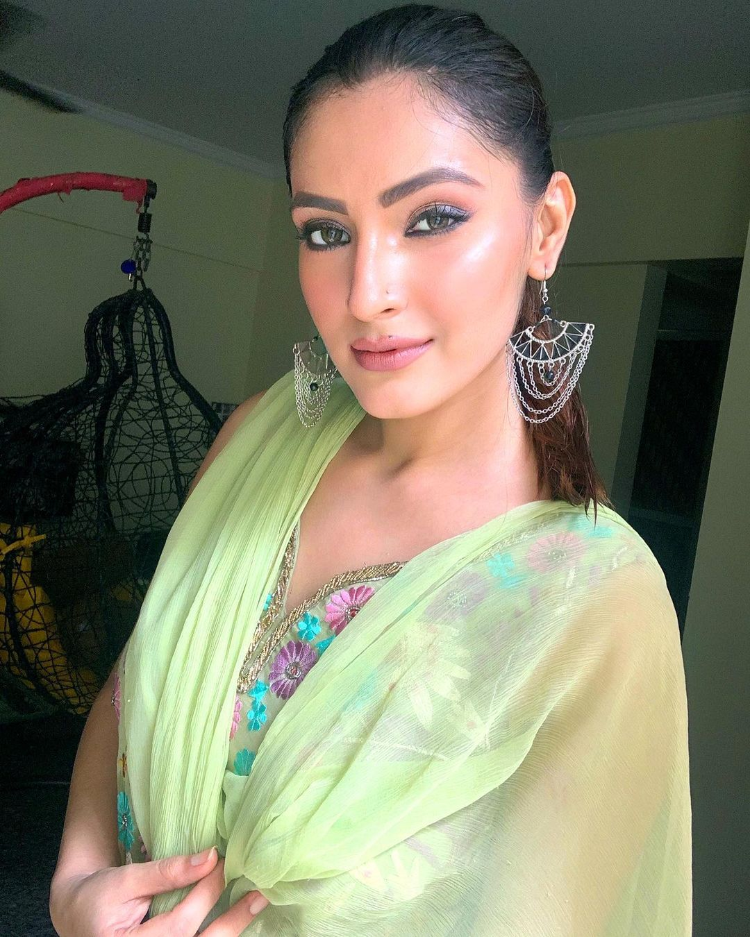 Indian TV actorsess Shivangi Verma Latest Pics (2)