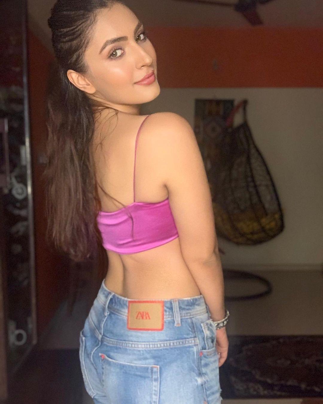 Indian TV actorsess Shivangi Verma Latest Pics (27)