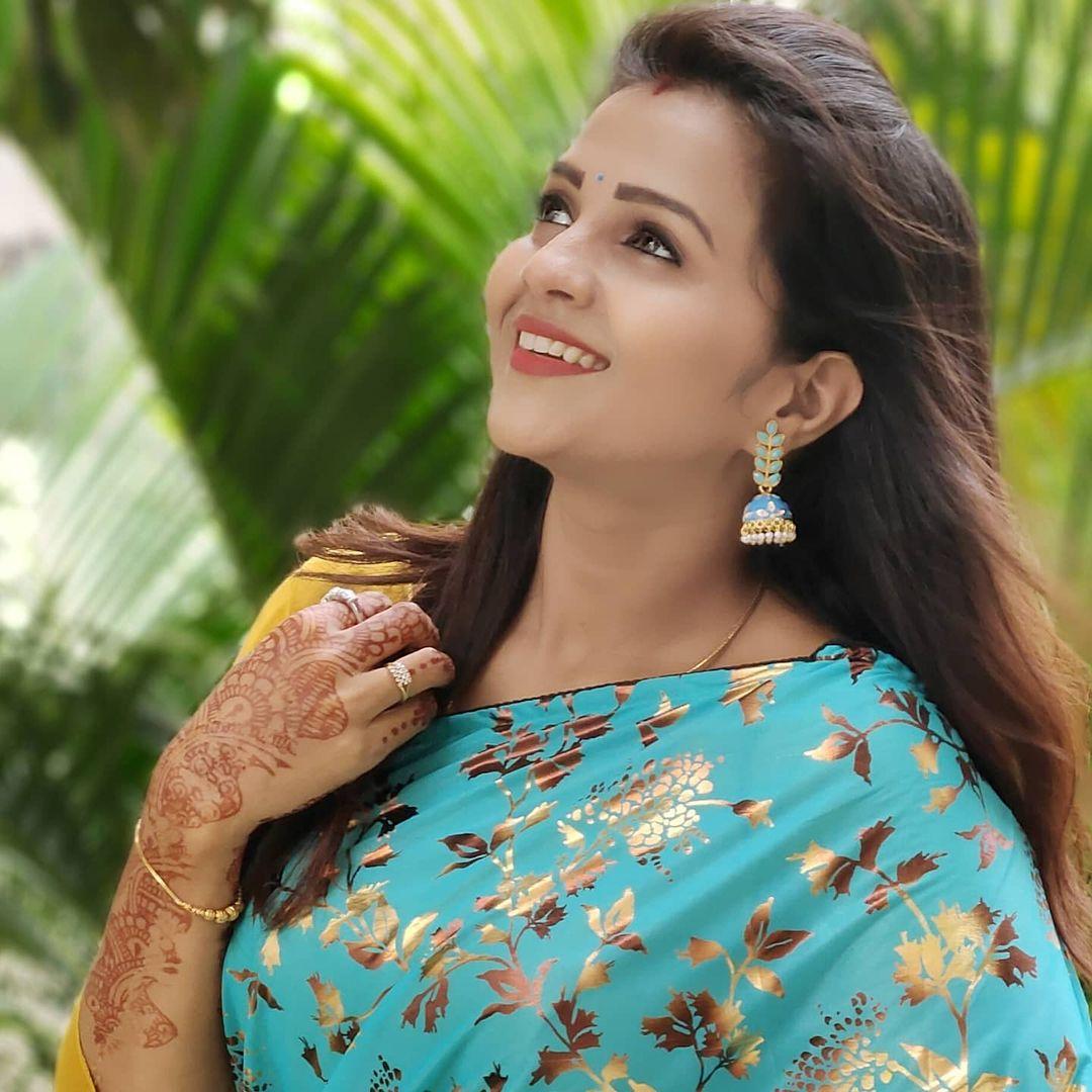 Poove Poochudava Serial Actress Krithika Laddu Latest Photos (18)