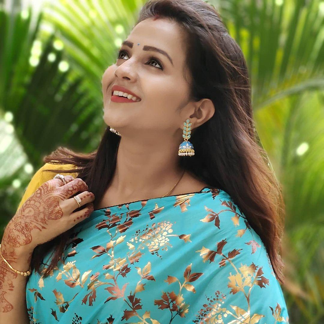 Poove Poochudava Serial Actress Krithika Laddu Latest Photos (19)