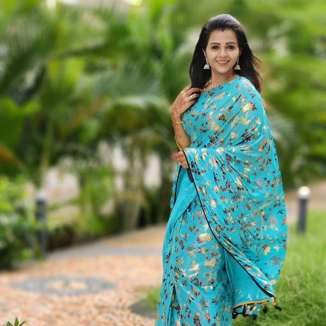 Poove Poochudava Serial Actress Krithika Laddu Latest Photos (20)