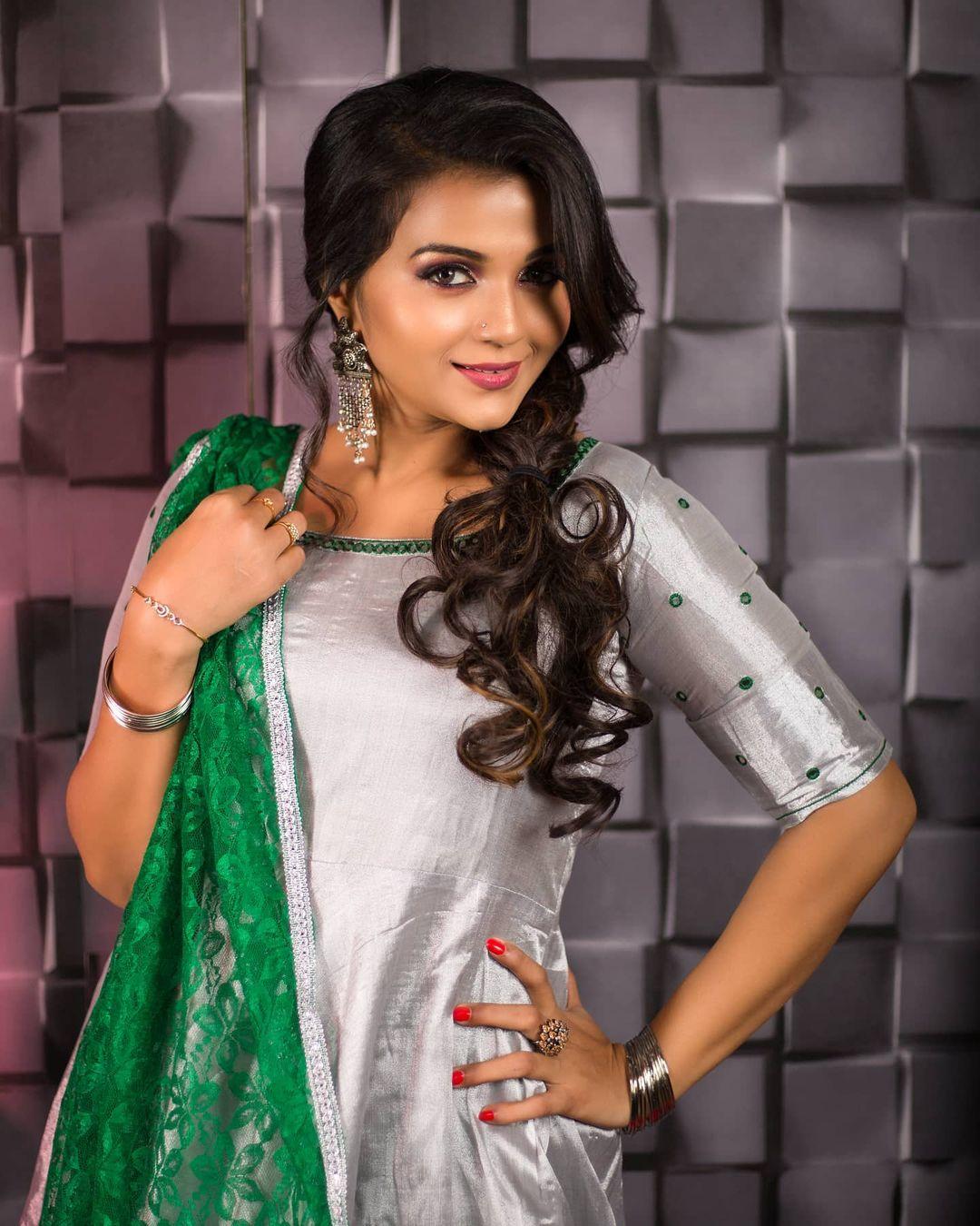Poove Poochudava Serial Actress Krithika Laddu Latest Photos (22)