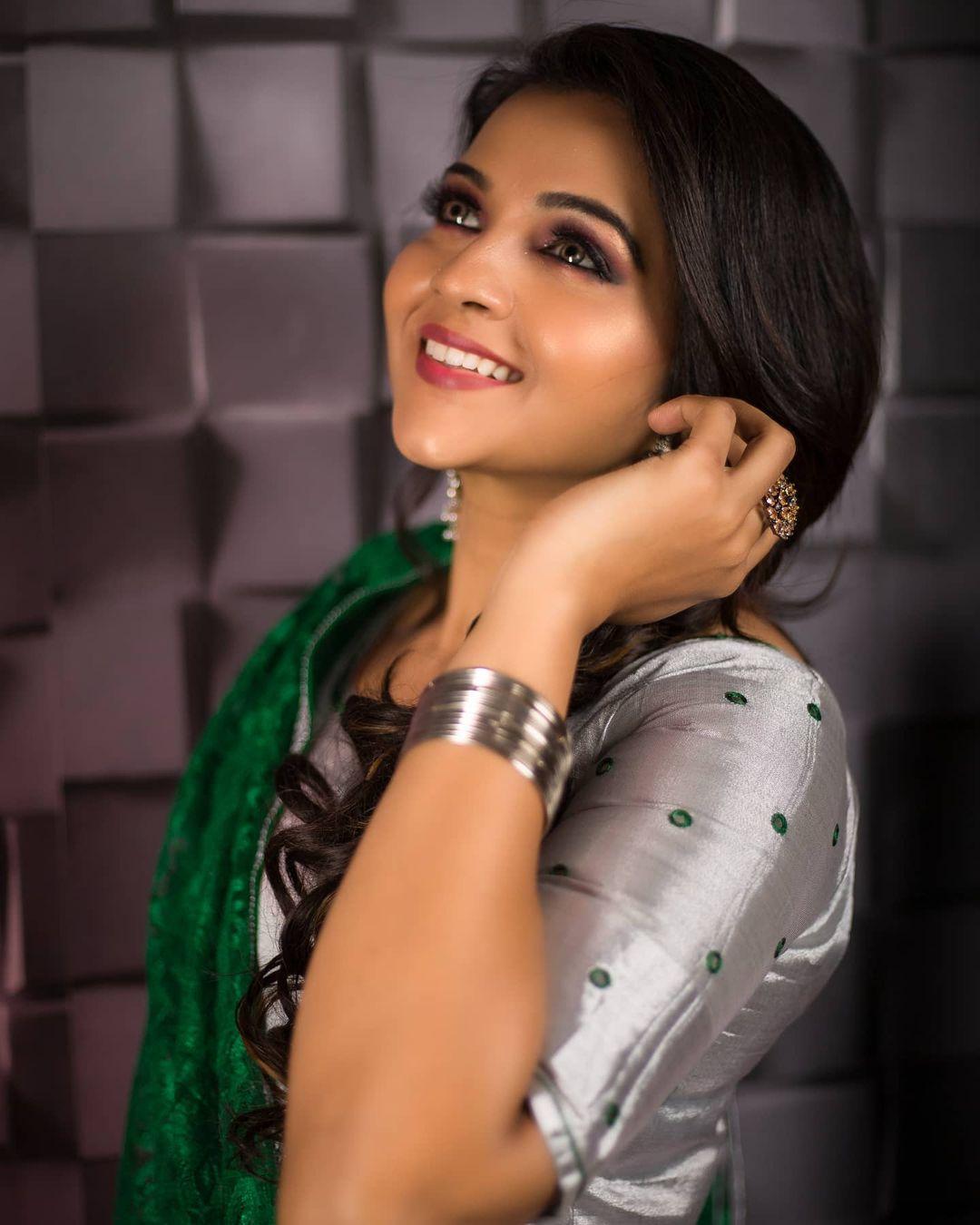 Poove Poochudava Serial Actress Krithika Laddu Latest Photos (25)