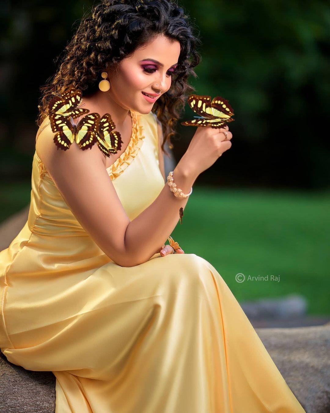 Poove Poochudava Serial Actress Krithika Laddu Latest Photos (26)