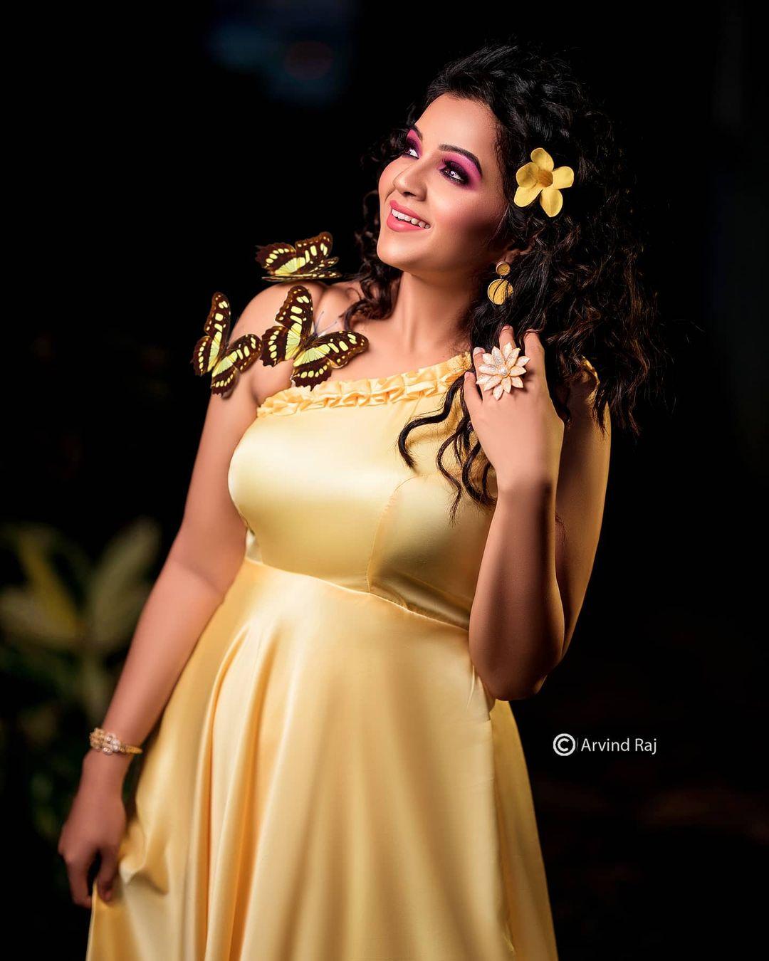 Poove Poochudava Serial Actress Krithika Laddu Latest Photos (27)