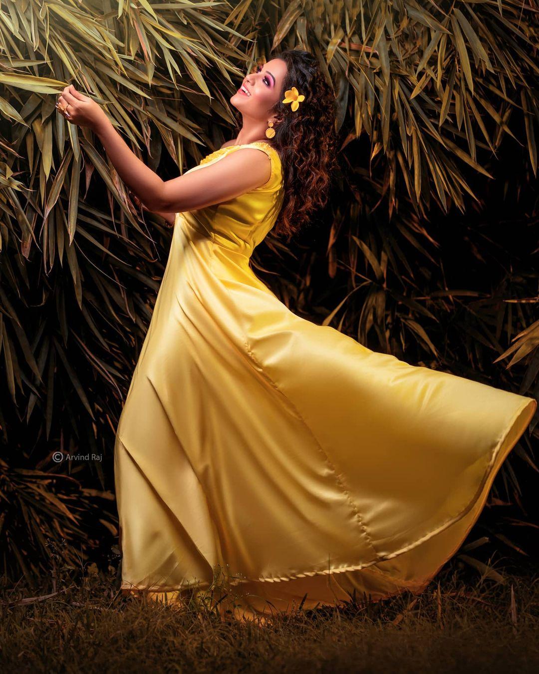 Poove Poochudava Serial Actress Krithika Laddu Latest Photos (29)