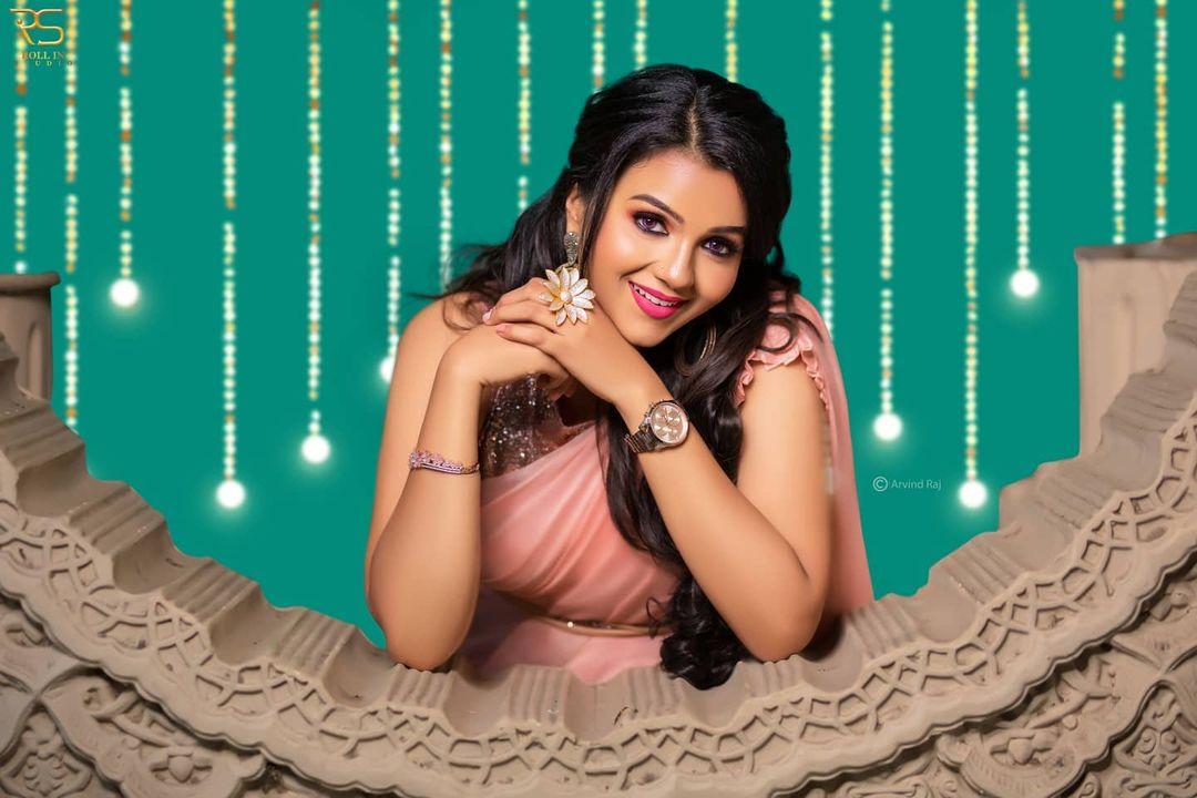 Poove Poochudava Serial Actress Krithika Laddu Latest Photos (6)