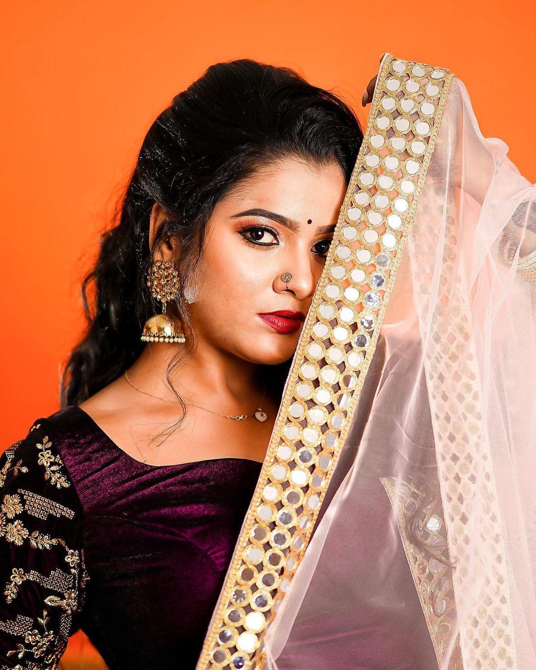 Serial Actress V. J. Chitra Photo Gallery (11)