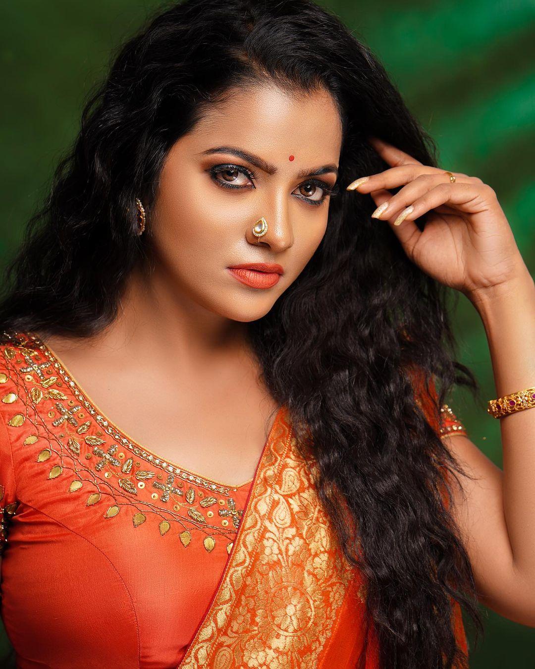 Serial Actress V. J. Chitra Photo Gallery (15)