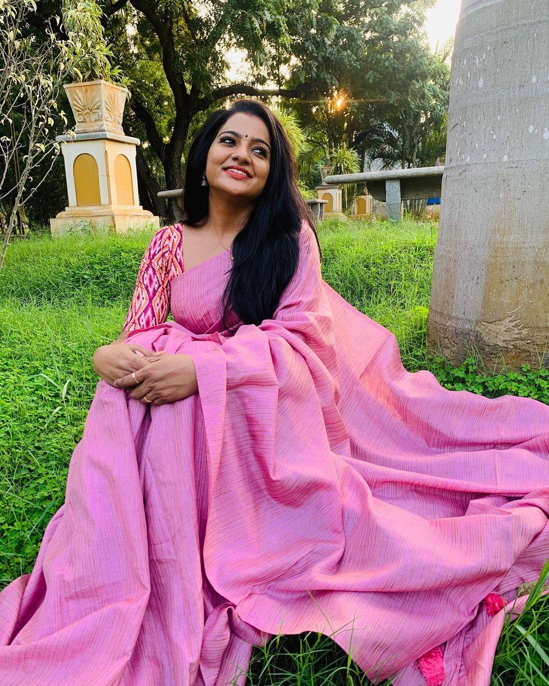 Serial Actress V. J. Chitra Photo Gallery (4)