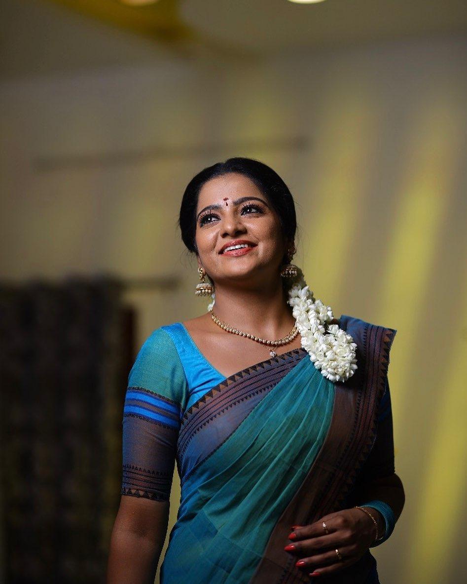 Serial Actress V. J. Chitra Photo Gallery (5)