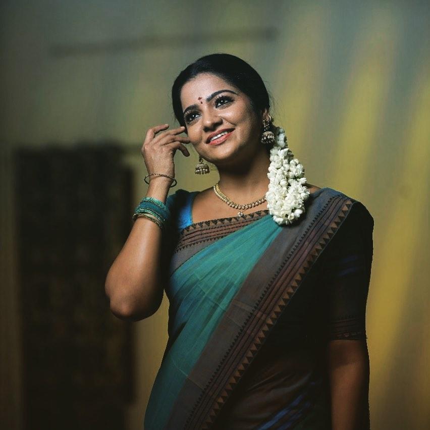 Serial Actress V. J. Chitra Photo Gallery (6)