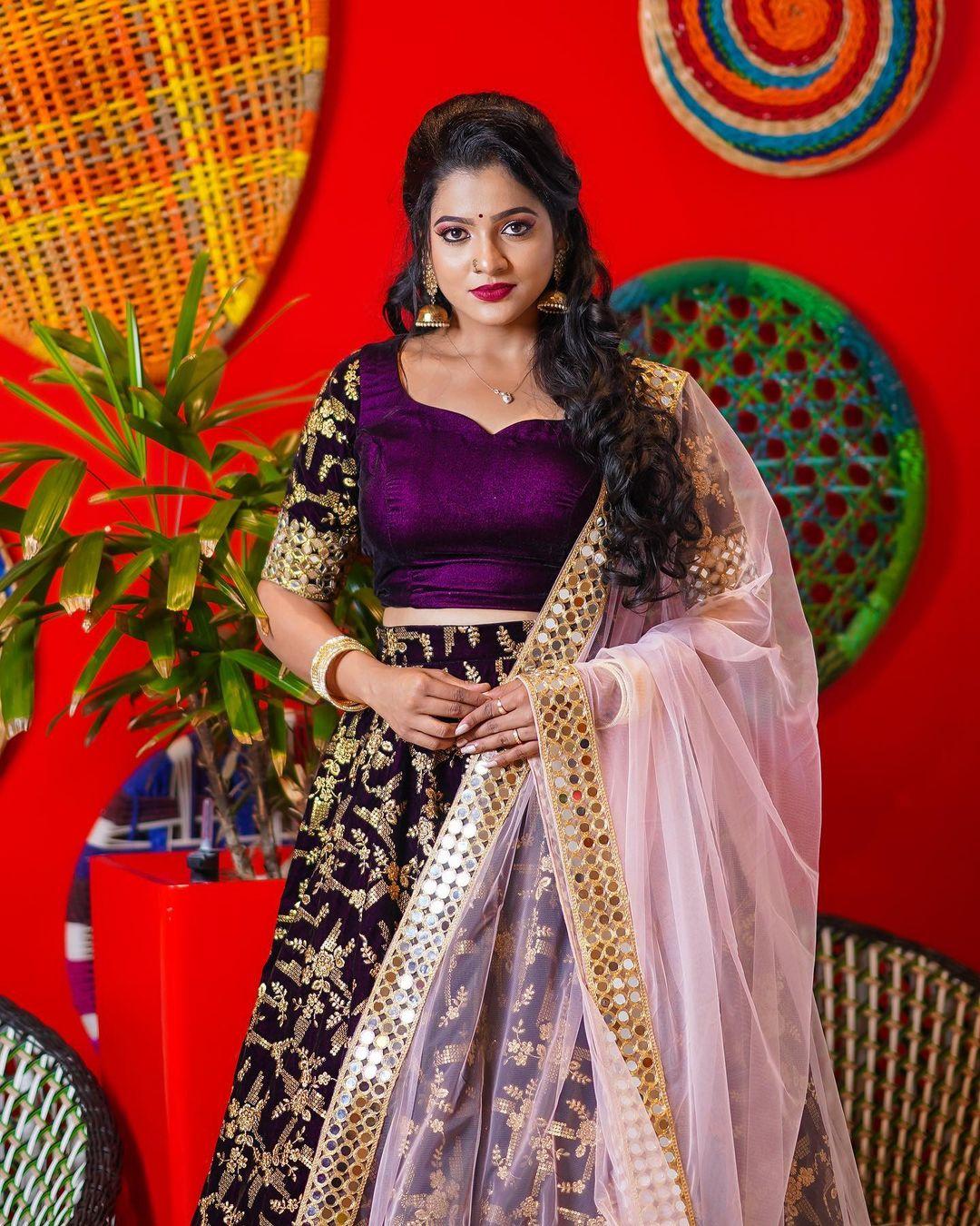 Serial Actress V. J. Chitra Photo Gallery (8)