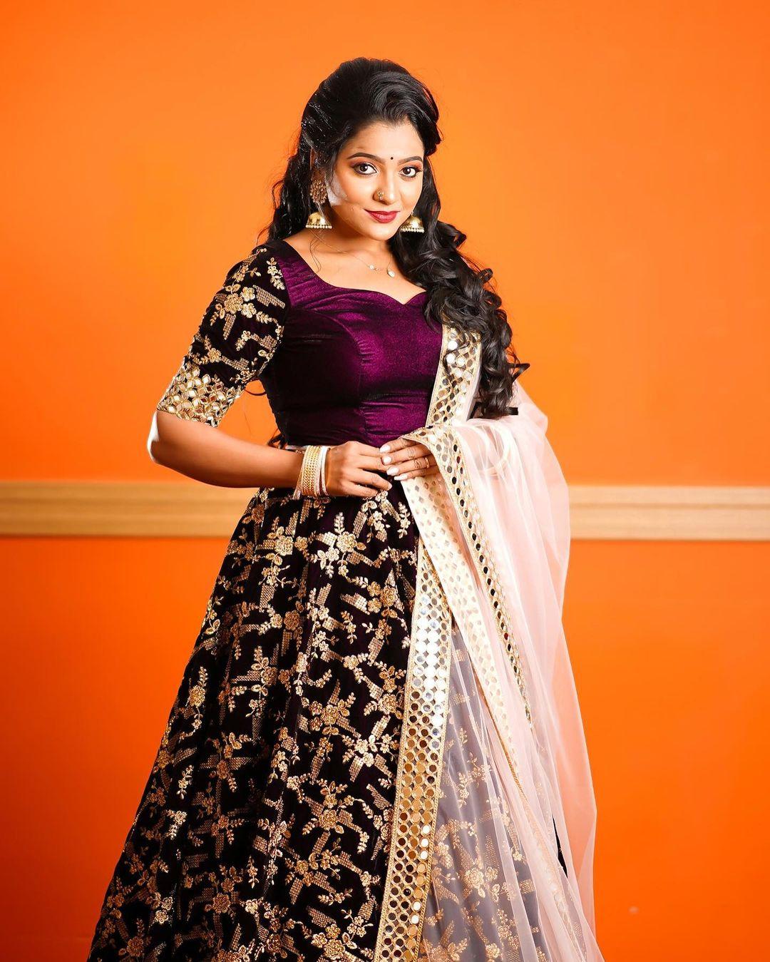Serial Actress V. J. Chitra Photo Gallery (9)