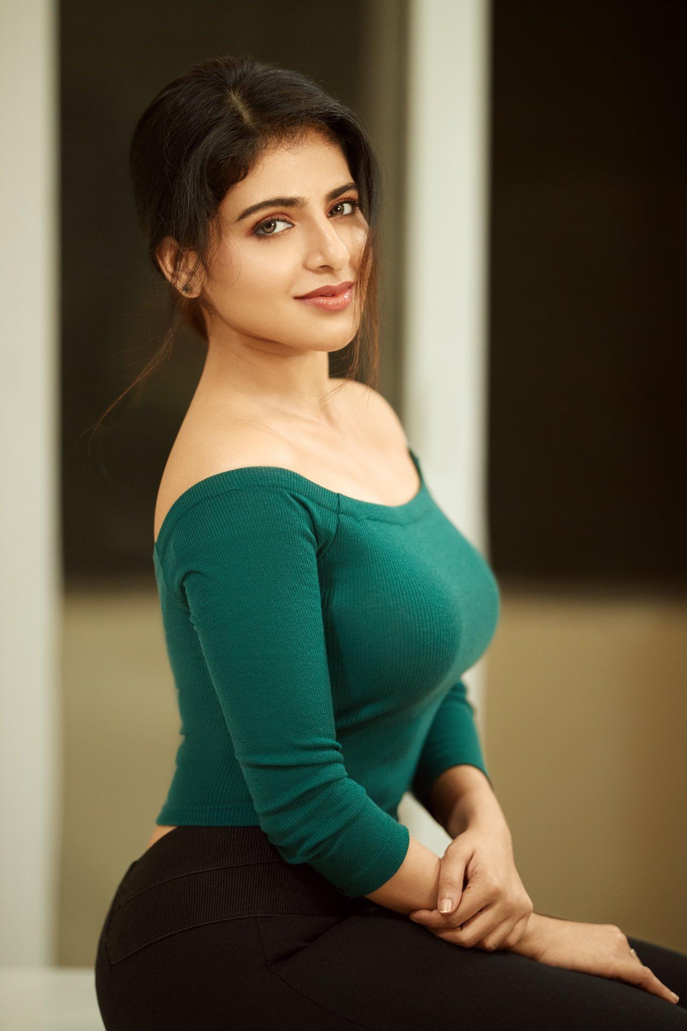 Actress Aathmika Stunning Pics