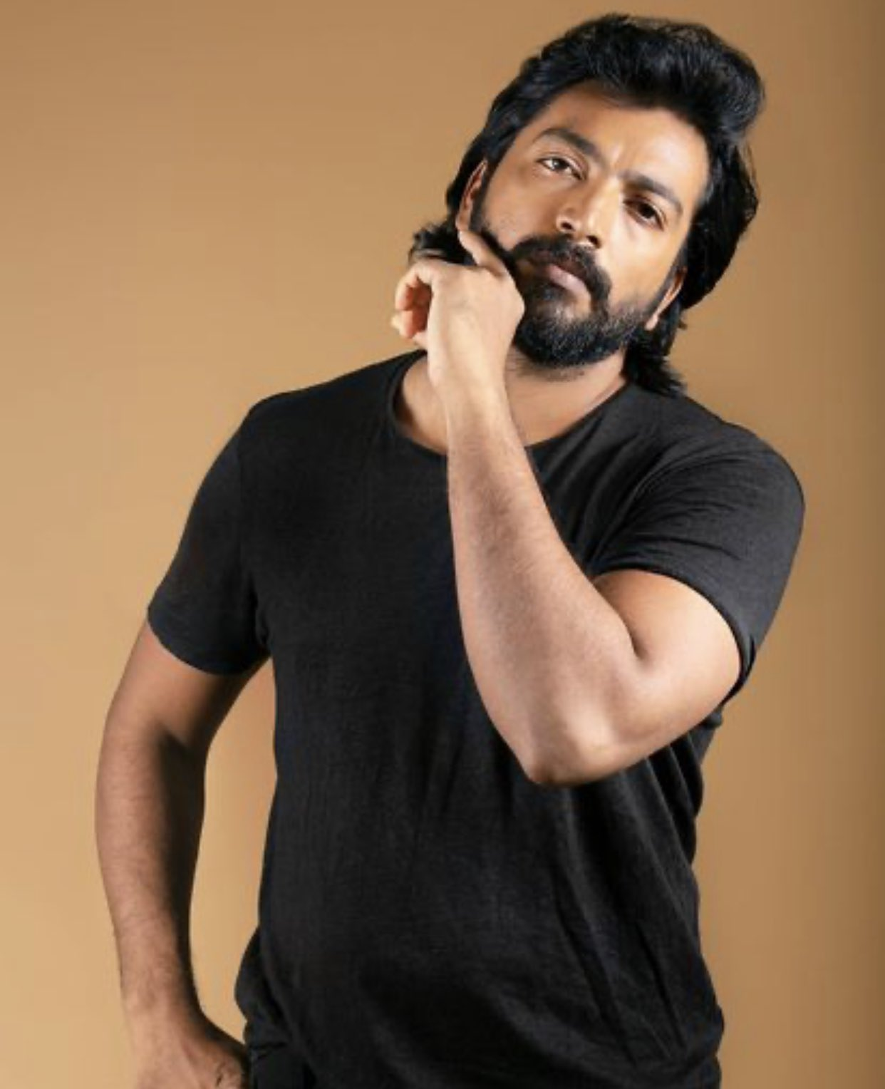 Actor Kalaiyarasan New Stills