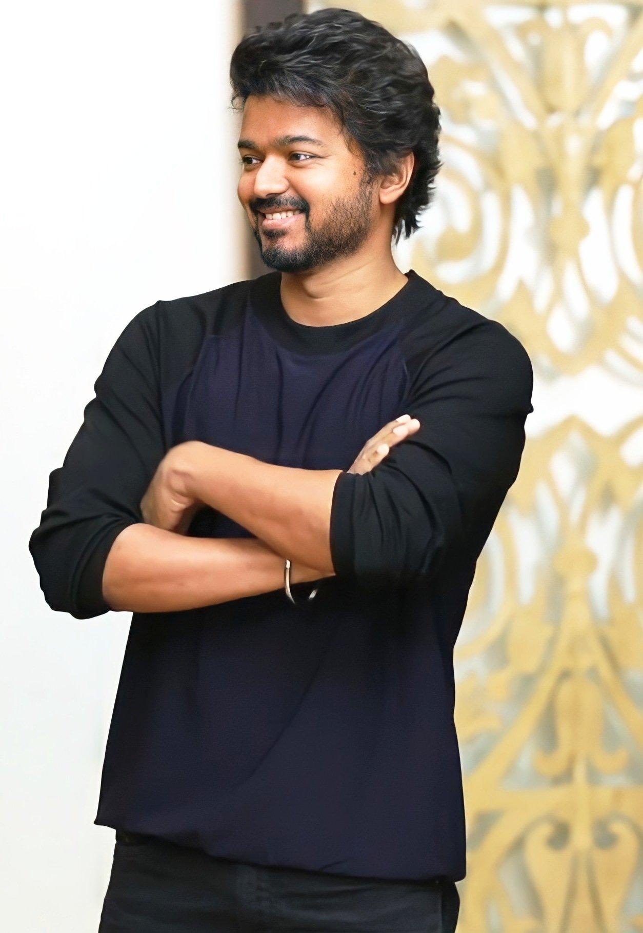 Handsome-Thalapathy-Vijay-51513