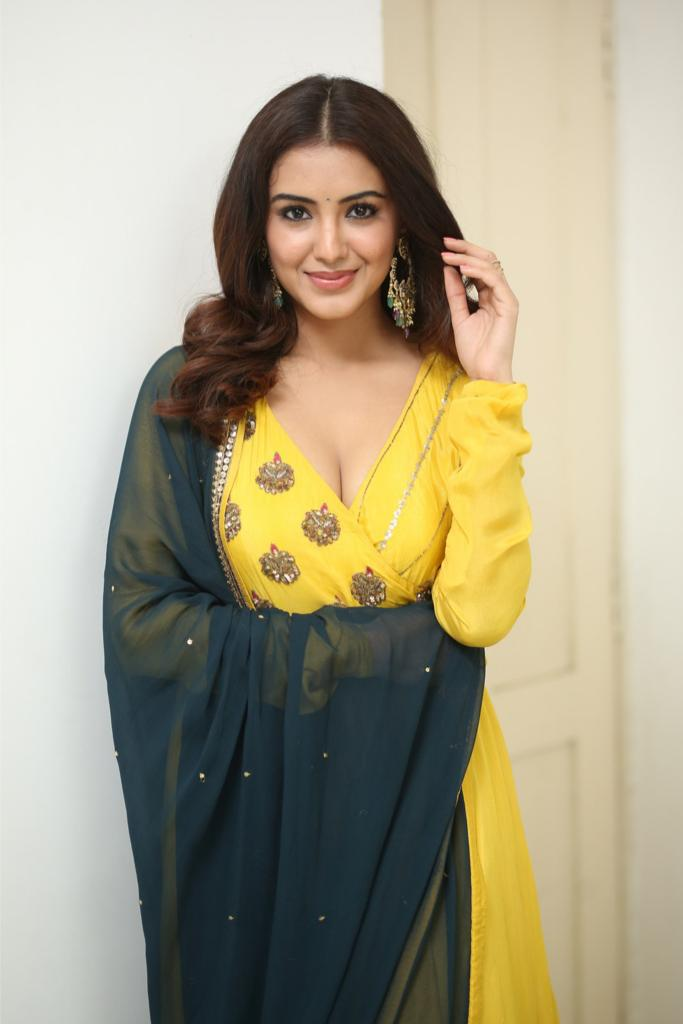 Malavika Sharma Latest Pics