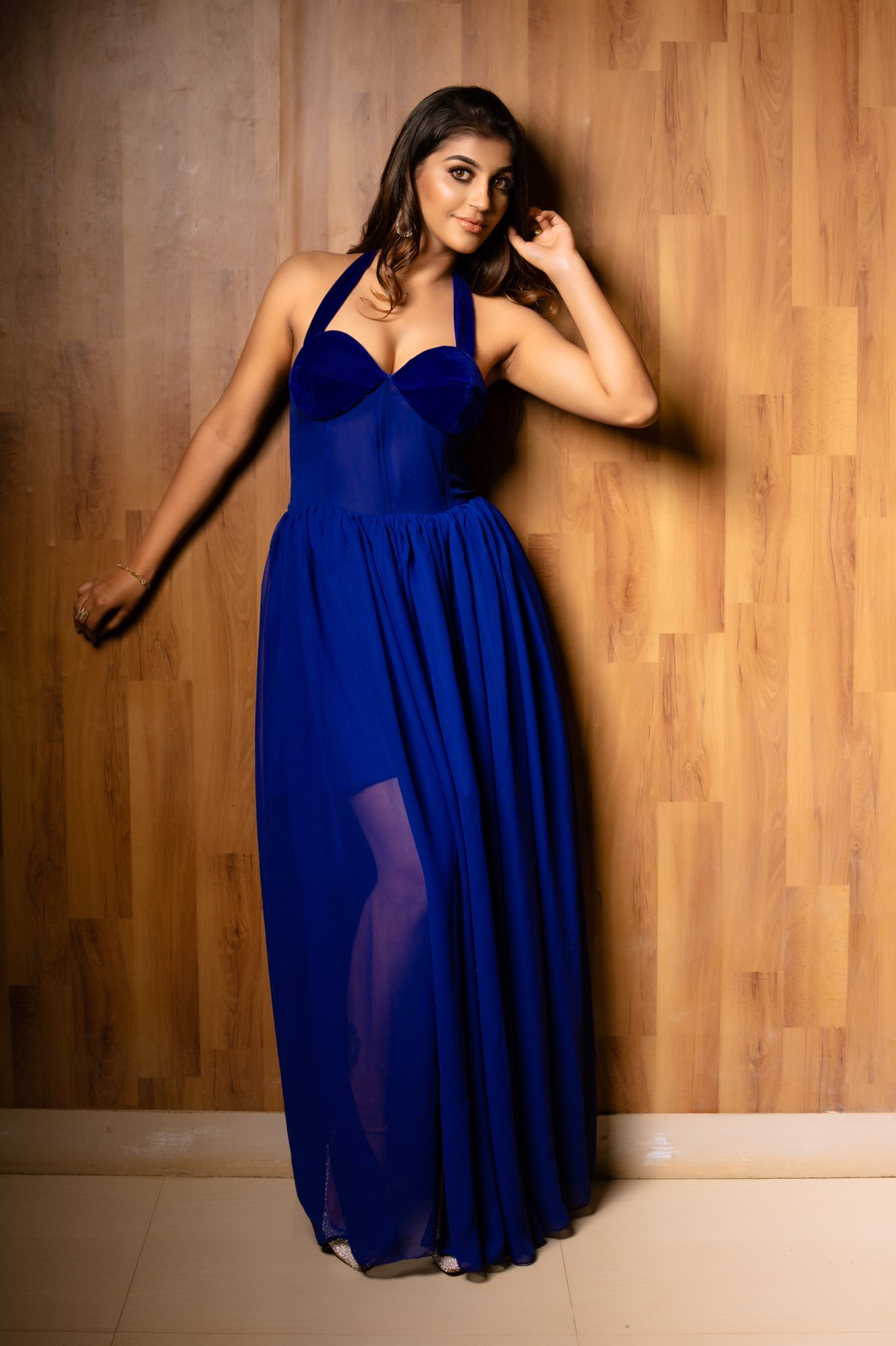 Actress Yashika Aannand Images