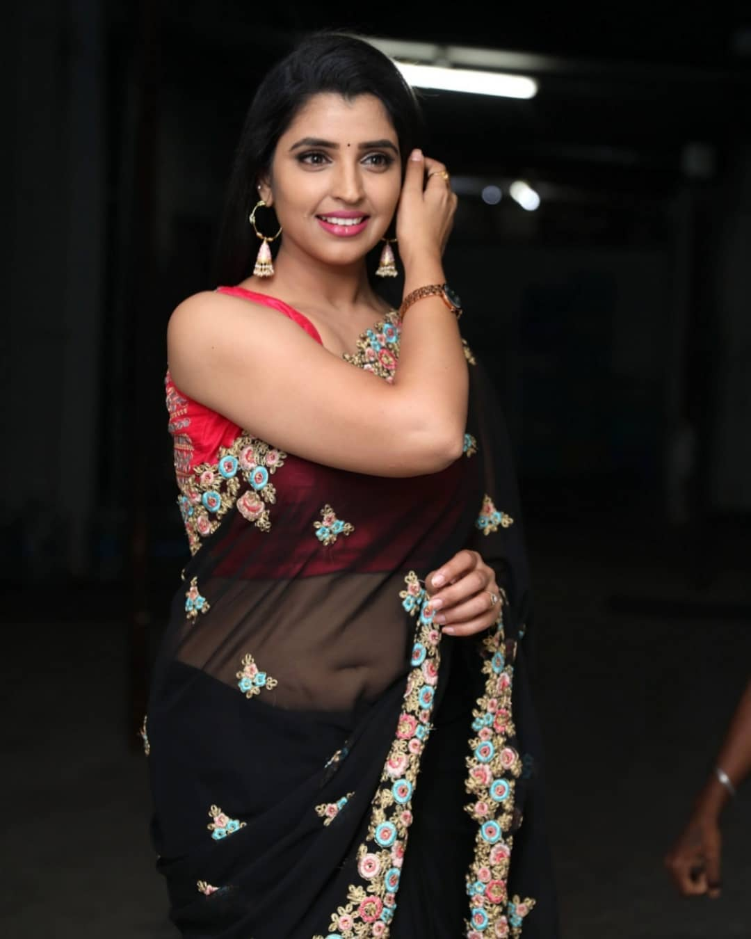 Anchor Shyamala Latest Saree Photos
