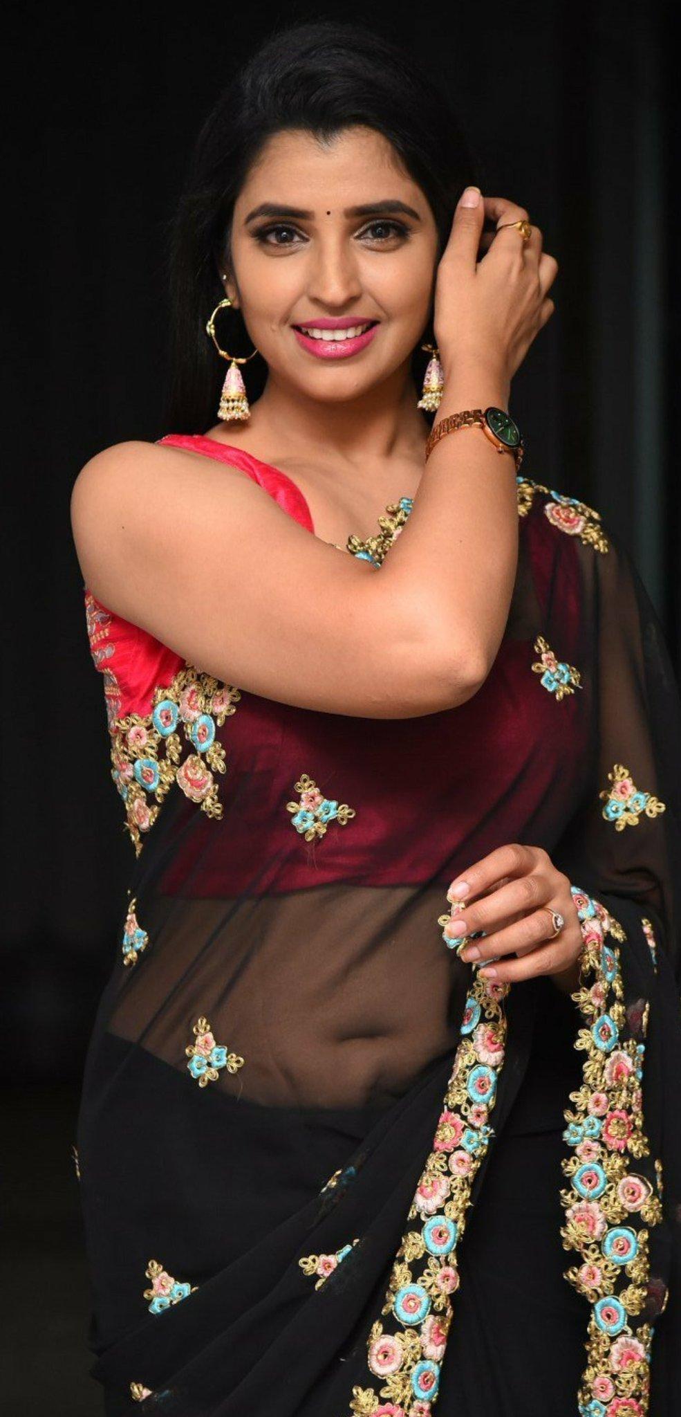 Anchor Shyamala Latest Saree Photos-