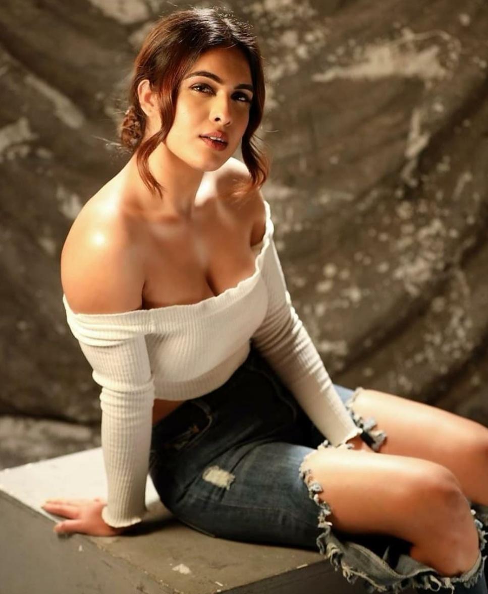 Actress Neha Malik Stills