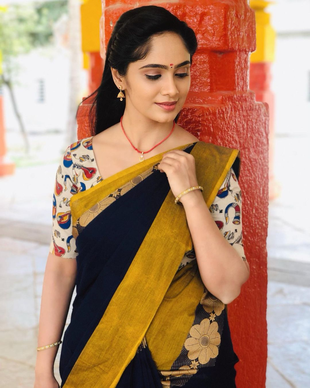 Tamil Serial Actress Tejaswini Gowda Saree Photos
