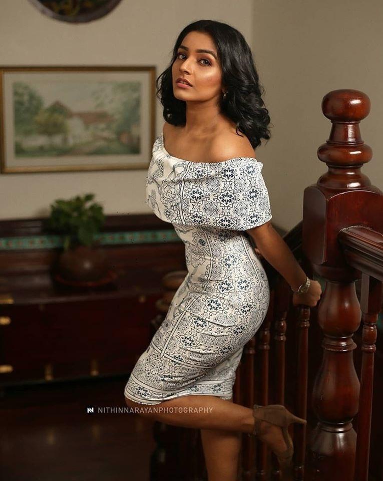 Rajisha-Vijayan-Karnan-actress-69221