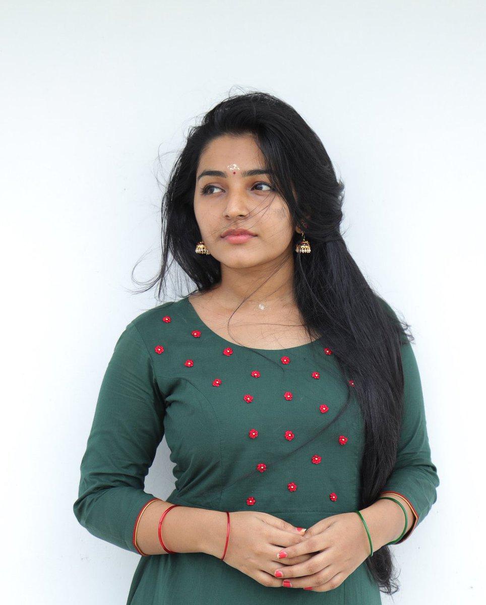 Rajisha-Vijayan-Karnan-actress-69224