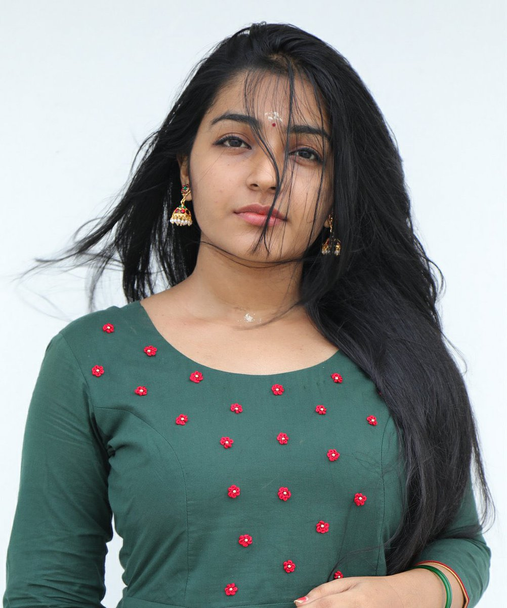 Rajisha-Vijayan-Karnan-actress-69234