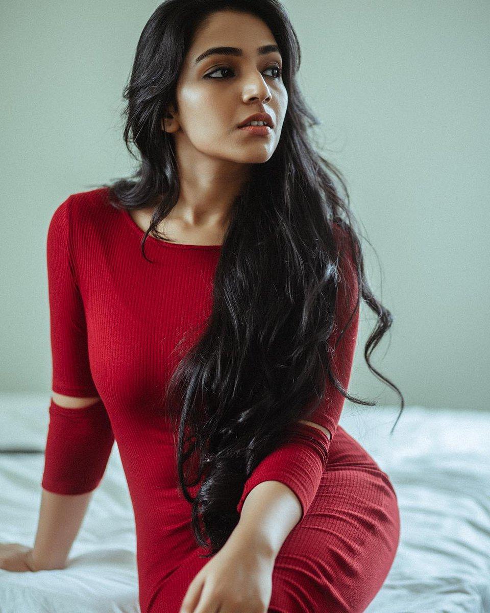 Rajisha-Vijayan-Karnan-actress-69238