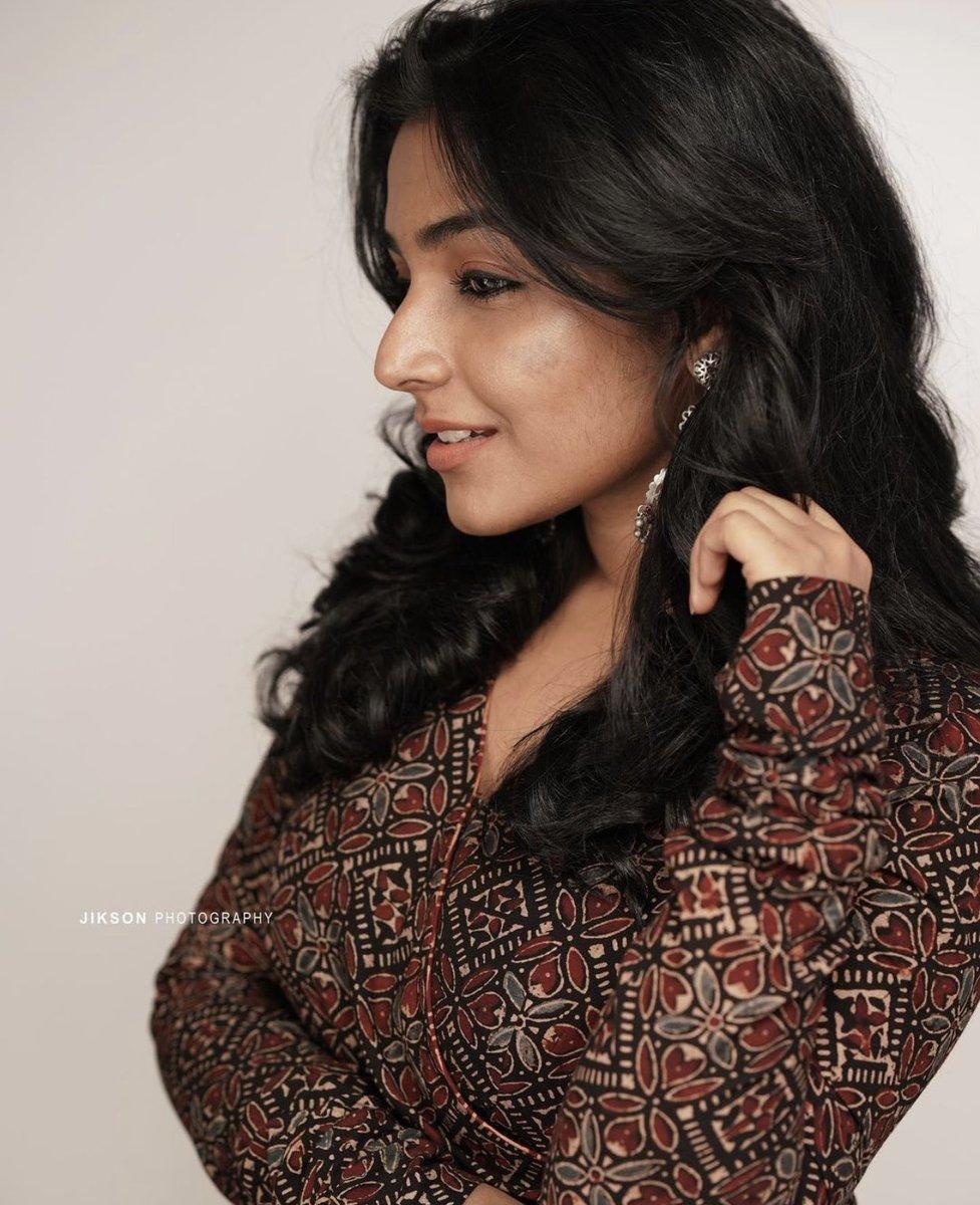 Rajisha-Vijayan-Karnan-actress-69239