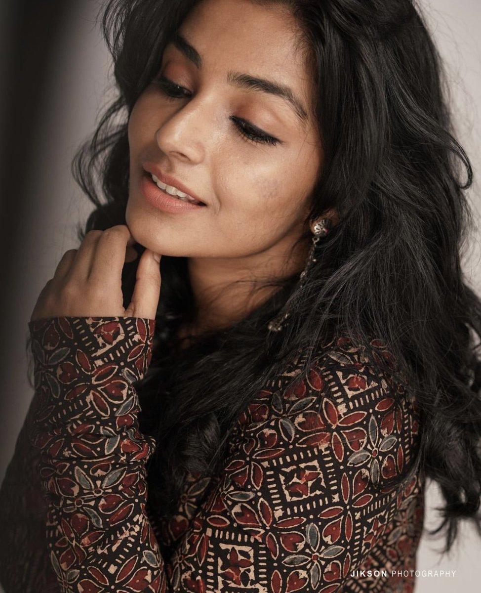 Rajisha-Vijayan-Karnan-actress-69240